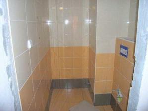 05/03/08...dokonceno oblozeni wc a polozena dlazba
