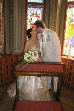 V kapličce - již manželé.