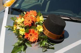 květina auto ženich