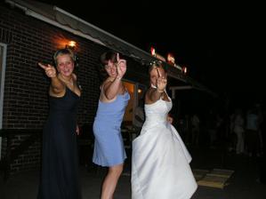 tanecni trio - se sestrou a se svedkyni :-)