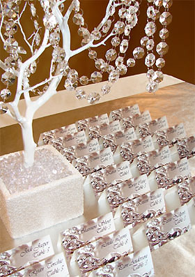 Winter Wedding ideas - Wedding tree decoration with crystals