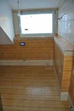 horní koupelna komplet obložená