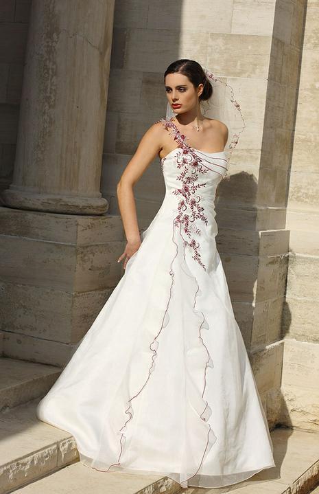 Svatební šaty - růžové i červené až do bordó - Obrázek č. 32
