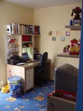 Naše pracovna v dětském pokojíčku, do budoucna by to asi nefungovalo.