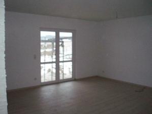 Obývák s terasovými dveřmi
