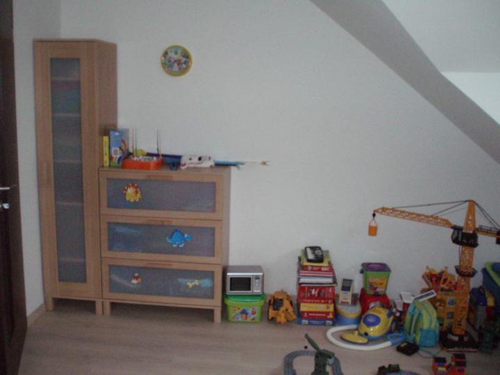 Kuchyň a postupné zabydlování - Synův pokojík