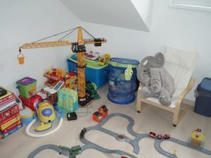 Hračky není kam dávat:-)