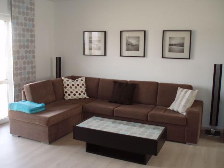 Kuchyň a postupné zabydlování - Nové polštáře do obýváku