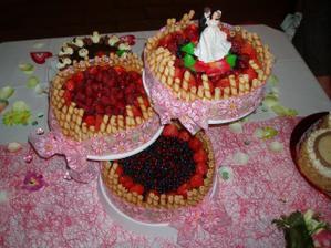 hlavní dort - práce nevěsty a její maminky