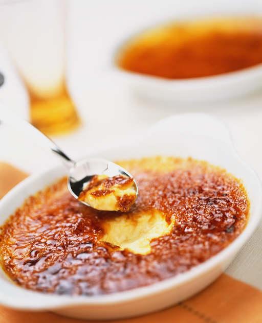 JÍDLO - inspirace - Crème brûlée - nejlepší dezert na světě http://www.bbcgoodfood.com/recipes/2745/ultimate-crme-brle-