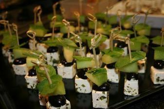 vegetariánské Jehdohubky – feta, meloun, olivy a máta http://thepassionatecook.typepad.com/thepassionatecook/2006/02/feta_melon_oliv.html#more