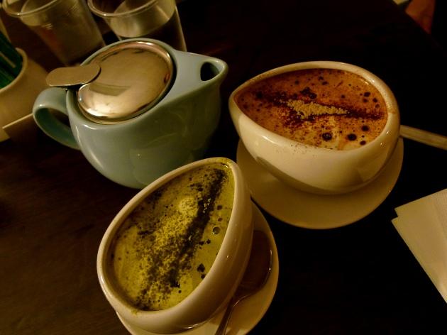 JÍDLO - inspirace - Green Tea Matcha Latte + Hot Chocolate  http://gninethree.wordpress.com/2011/04/15/the-aviary-dessert-kitchen/