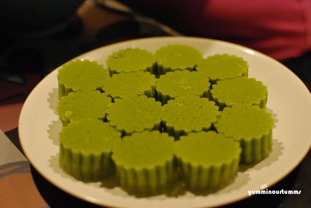 JÍDLO - inspirace - ? PANDANOVÉ - ZNÁTE NĚKDO? http://yumminourtumms.wordpress.com/category/desserts/
