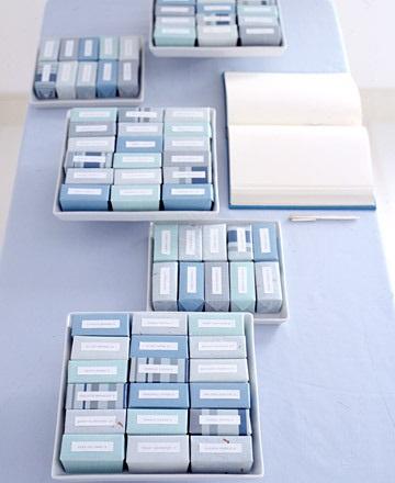 INSPIRACE - Kombinace s modrou (odstíny modré, s bílou, s černou, se zlatou, se zelenou, s hnědou, ...) - Obrázek č. 59