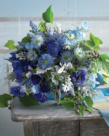 INSPIRACE - Kombinace s modrou (odstíny modré, s bílou, s černou, se zlatou, se zelenou, s hnědou, ...) - Obrázek č. 61