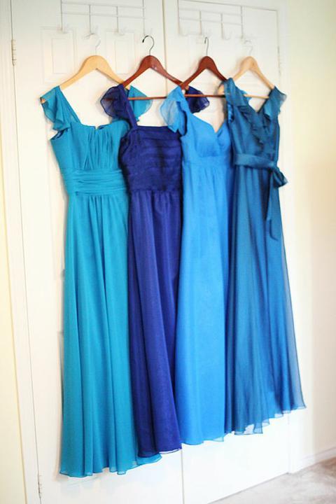 INSPIRACE - Kombinace s modrou (odstíny modré, s bílou, s černou, se zlatou, se zelenou, s hnědou, ...) - Obrázek č. 3