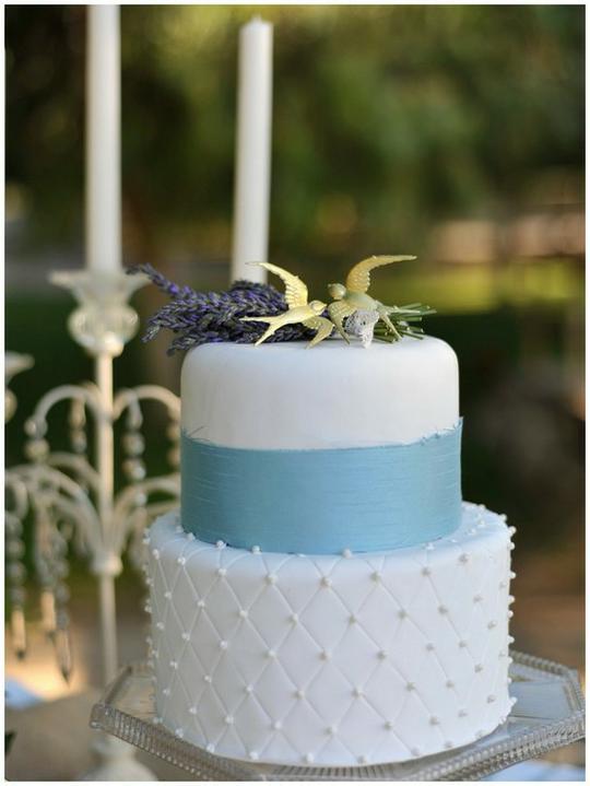 INSPIRACE - Kombinace s modrou (odstíny modré, s bílou, s černou, se zlatou, se zelenou, s hnědou, ...) - Obrázek č. 45