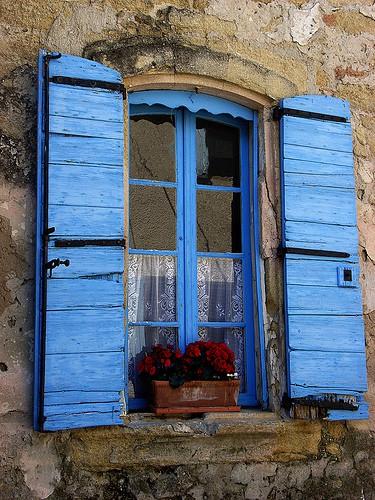 INSPIRACE - Kombinace s modrou (odstíny modré, s bílou, s černou, se zlatou, se zelenou, s hnědou, ...) - Obrázek č. 12