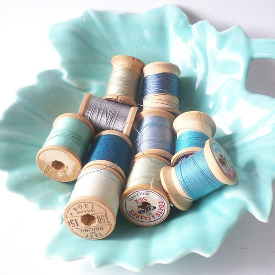 INSPIRACE - Kombinace s modrou (odstíny modré, s bílou, s černou, se zlatou, se zelenou, s hnědou, ...) - Obrázek č. 34