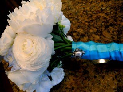 INSPIRACE - Kombinace s modrou (odstíny modré, s bílou, s černou, se zlatou, se zelenou, s hnědou, ...) - Obrázek č. 88