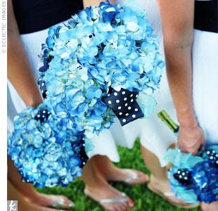 INSPIRACE - Kombinace s modrou (odstíny modré, s bílou, s černou, se zlatou, se zelenou, s hnědou, ...) - Obrázek č. 30