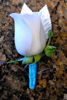 INSPIRACE - Kombinace s modrou (odstíny modré, s bílou, s černou, se zlatou, se zelenou, s hnědou, ...) - Obrázek č. 89