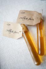 jmenovky-dárky-ampulky s medem
