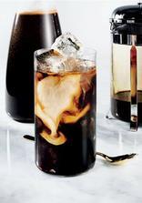 ice café (káva se zmrzlinou a ledem)