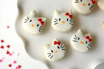 Hello Kitty makronky