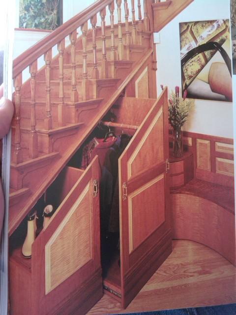 Chytré nápady - Skrytá šatna pod schody