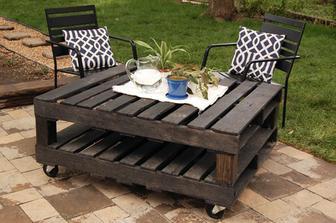 Zahradní stolek z palet