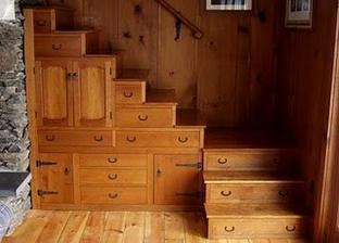 Šuplíky po schodama i šuplíky-schody