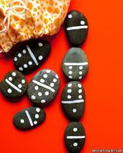 Domino z kamínků