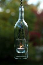 závěsný skleněný svícen s lahvovým stínítkem