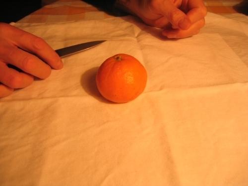 MANDARINKOVÉ SVÍČKY - jen z mandarinek a trochy olivového oleje, netřeba žádný vosk ani knot! Blbuvzdorný fotonávod v tomto albu :-) - Mandarinku