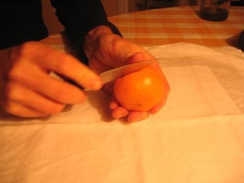 MANDARINKOVÉ SVÍČKY - jen z mandarinek a trochy olivového oleje, netřeba žádný vosk ani knot! Blbuvzdorný fotonávod v tomto albu :-) - po