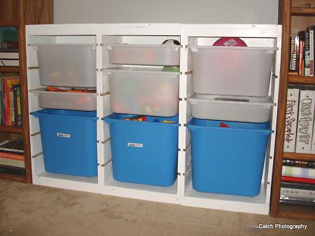 Chytré nápady - NÁVOD Boxy na hračky jako z Ikey (navíc si je můžete udělat na míru!) - návod http://ana-white.com/2011/09/ikea-trofast-toy-bin-storage-hacked-playroom-project-1