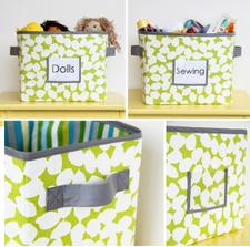 Jednoduchý NÁVOD na ušití http://www.makeit-loveit.com/2011/09/fabric-storage-boxes-per-your-request.html