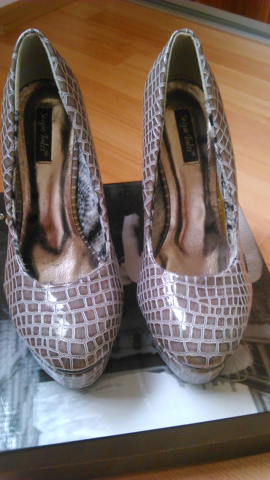 Topánky + kabelka - Obrázok č. 1