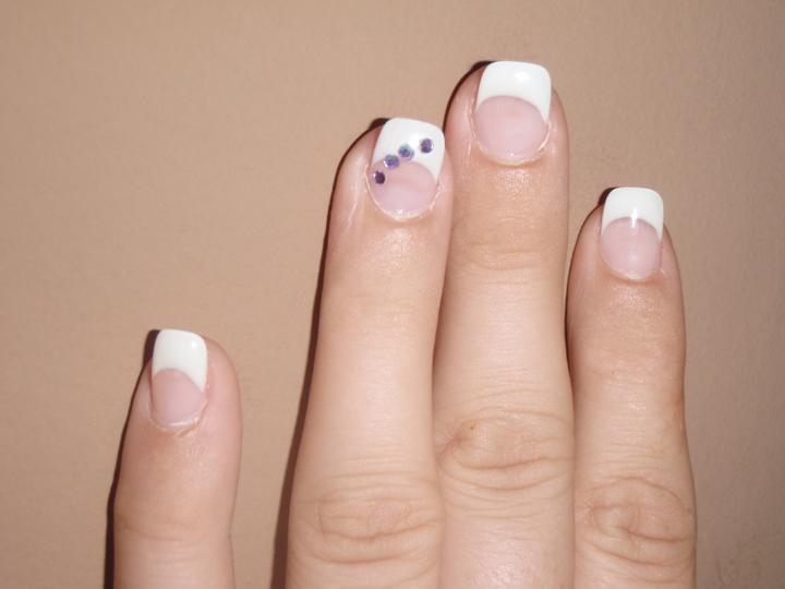 Nehtíky - prsteníček raději označkovaný aby ženich věděl na který prst má dát prstýnek :-D