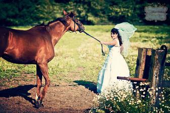 ...koňů se docela bojím...myslím,že koník ze mě ten strach vycítil...a prostě semnou nechtěl jít :-D