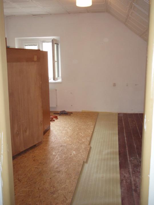 Ondráškův Bublinkový pokojík  :o) - nejdříve srovnat vrzající podlahu