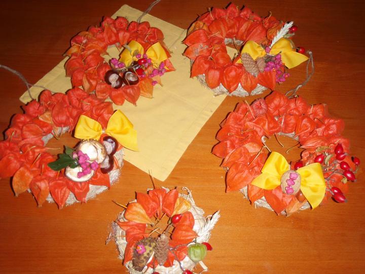 Podzimní tvorba - věnce na dveře pro nás a pro rodinu :-)