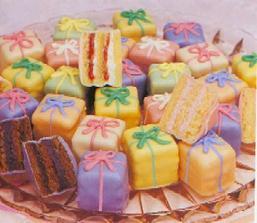 ...cukroví do svatebních koláčů