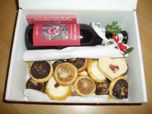 vínečko,čokoládka a koláčky :-)