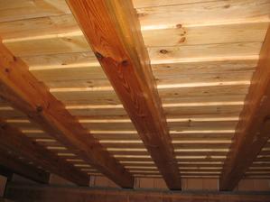 drevený strop - kuchyňa, obývačka