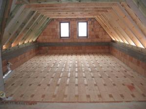 drevený strop, podkrovie - môj budúci ateliér :)