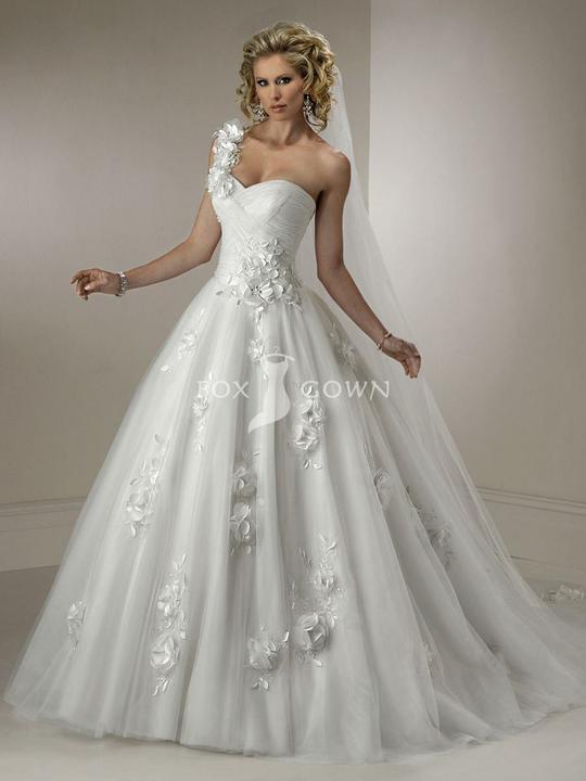 Svadobné šaty, čo sa mi páčia :) - Obrázok č. 10