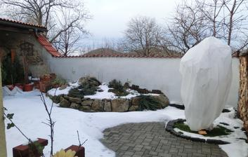 zima na terase (trochu nam tu snehu nafukalo)
