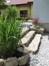 schody dorobene (s kamenom je teda riadna drina)